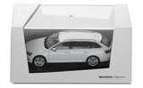 Superb III combi - 1/43 MOON WHITE metallic diecast model - Skoda Auto,a.s. Click to view details.